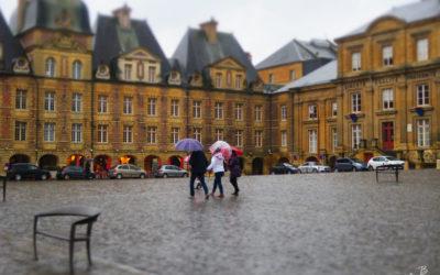 Place Ducale sous la pluie